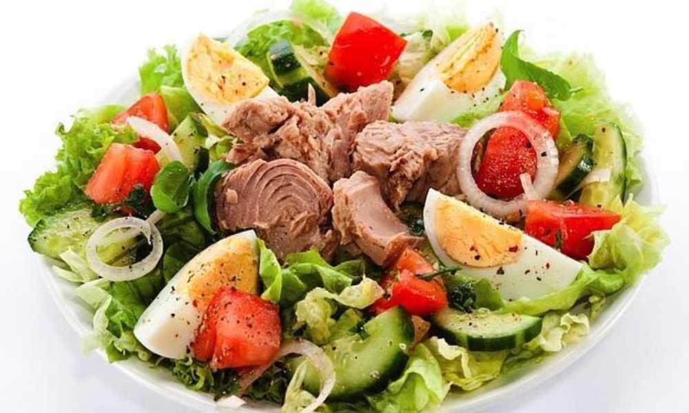 ensalada mixta completa en restaurante salamar madrid